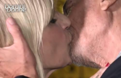 """""""Dopo il bacio è stata scaricata"""": per Gemma Galgani salta il lieto fine"""