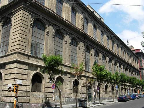"""""""Promosse in cambio di sesso col prof"""": scandalo a Belle Arti"""
