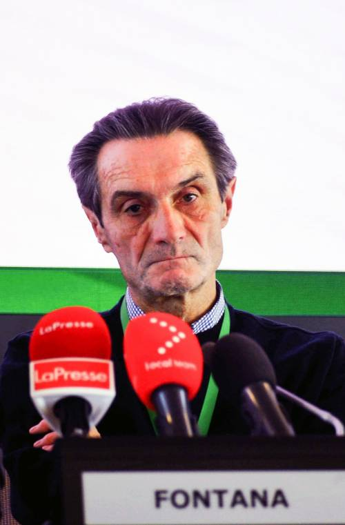 """Virus, Conte ammette: """"Falla nella prevenzione"""". Fontana: """"Nessun errore"""""""