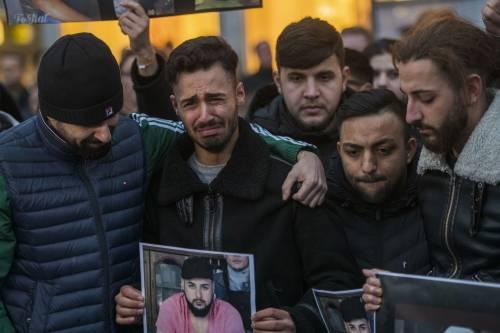 Berlino schiera i soldati davanti a ogni moschea