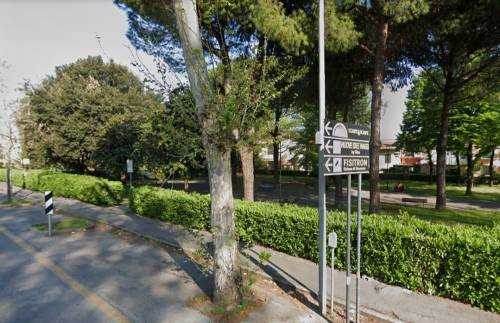 Firenze: pusher magrebino si tuffa nell