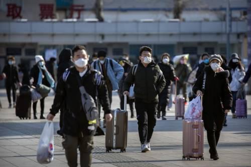 Cina, più guariti che nuovi casi Il virus fa (un po') meno paura