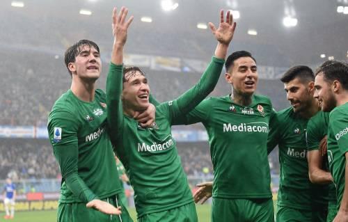 Serie A, la Fiorentina ne fa cinque alla Samp. Il Napoli batte 1-0 il Cagliari