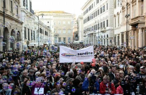 A Roma le sardine scoppiate: sul palco non ci sono i leader