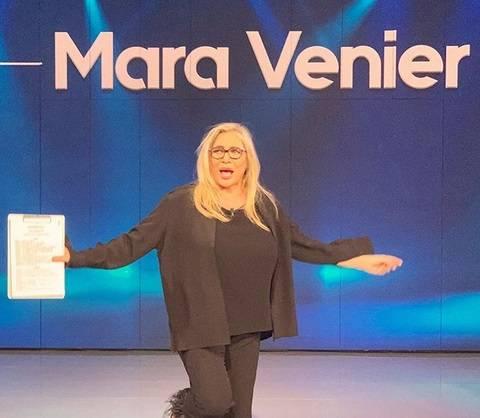 """Un sindacato accusa Mara Venier: """"Ha offeso l"""