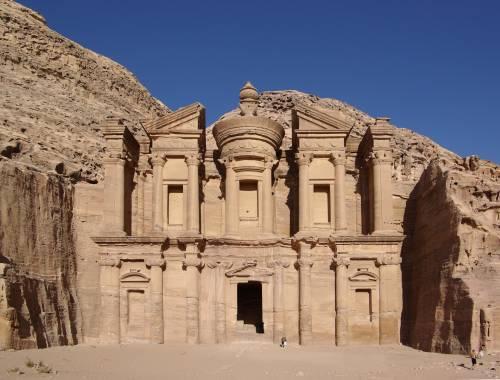 A Petra si stacca un masso e uccide un turista italiano