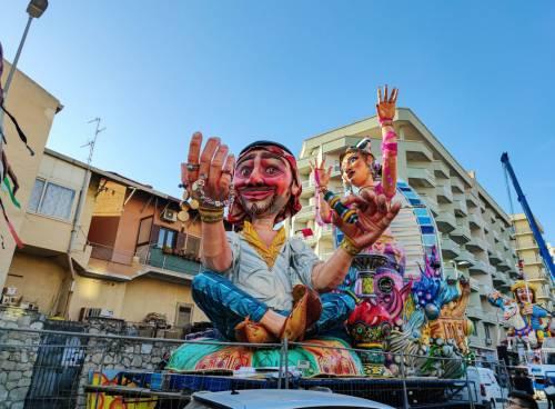 Bimbo muore alla sfilata: annullato il Carnevale