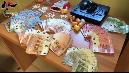 Vendevano cocaina col paniere: coniugi agli arresti
