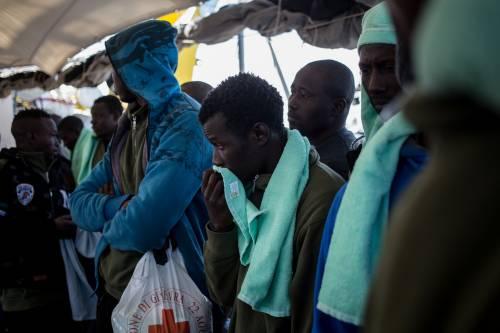 Coronavirus, nuovi casi di contagi nel centro per migranti: 9 infetti