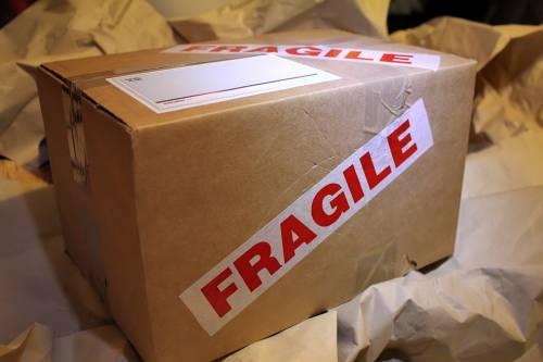 Il portiere deve ritirare i pacchi che arrivano?