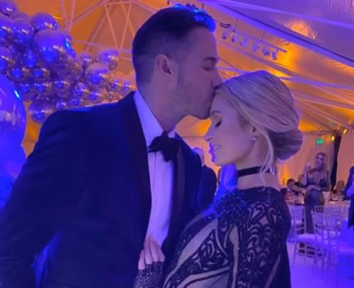 Paris Hilton presenta il nuovo fidanzato sui social