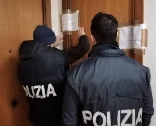 """Gestivano case a luci rosse con """"servizio"""" a domicilio: tre arresti"""