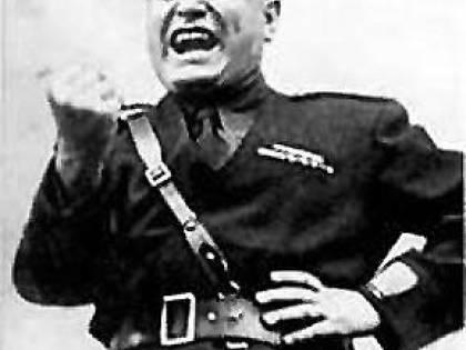 Tre volumi  per discutere su Mussolini