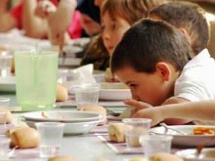 """Una mensa da fame E a scuola arrivano i """"pasti d'emergenza"""""""