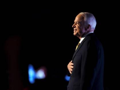 Per McCain un addio da eroe