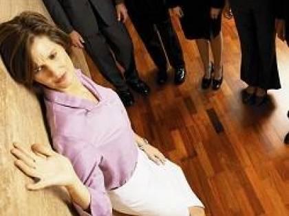 Urlare al dipendente davanti a tutti è mobbing