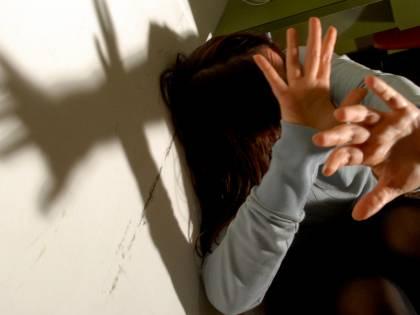 Torino, 25 anni di incesti: arrestati padre e figlio