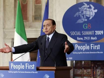 """Berlusconi: """"Lavoro,  nel 2010 sono a rischio   20 milioni di impieghi"""""""