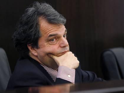 Brunetta avvisa le statali:<br /> niente spesa<br /> nell' orario d'ufficio
