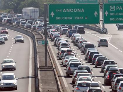 Traffico, esodo di Pasqua:<br /> rallentamenti sulle autostrade
