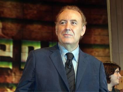 """Santoro, sit-in di protesta alla Rai: """"No censura"""""""