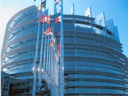 Aids, l'Unione europea dice no   all'emendamento anti-Vaticano