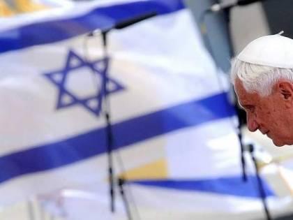 E la protesta dello sceicco rende il Pontefice più simpatico a Gerusalemme