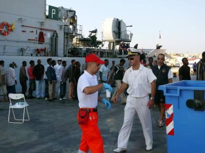 Immigrazione, Fini:<br /> &quot;Missione in Libia<br /> per monitorare i diritti&quot;