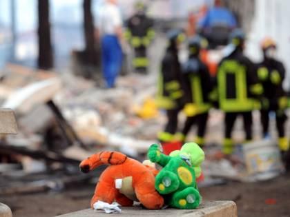 In un inferno di fuoco<br /> i soccorritori: &quot;Sembra<br /> una piccola Pompei&quot;