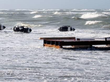 Ancona, affonda barca da pesca: un morto