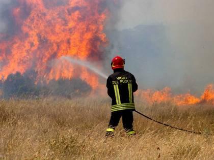 Allarme incendi dolosi:  in Sicilia va a fuoco  la riserva di Cavagrande