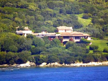 Foto a Villa Certosa, per la Cassazione fu violazione della privacy