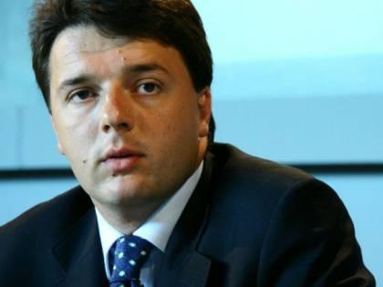 Spese folli per Renzi: una poltrona da 2.200 euro