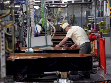 Crisi, agosto nero per l'industria: giù gli ordini