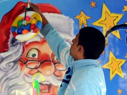 Natale, ora le famiglie  sono più fiduciose  ma risparmiano sui regali