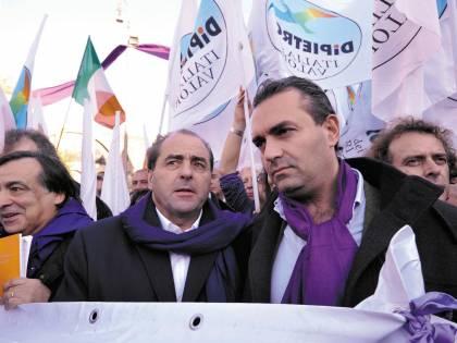 """Si scrive NoB-day, si legge Italia dei valori  La grande bufala """"viola"""" di Tonino"""