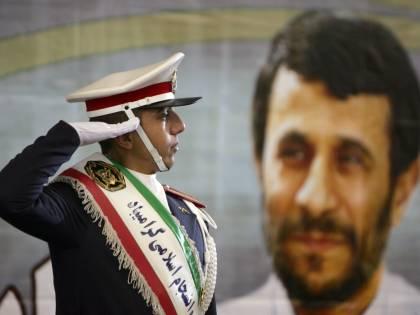 """Iran, altri nove impiccati  La denuncia di Moussavi:  """"C'è ancora la dittatura"""""""
