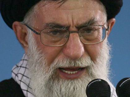 Iran, Khamenei: 11 febbraio pugno all'Occidente