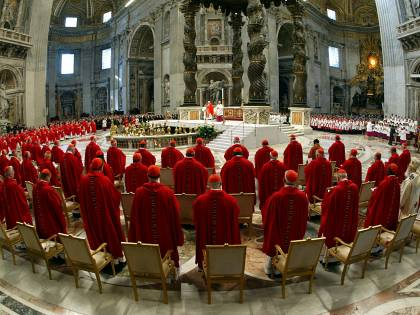 """L'identikit ideale dei cardinali: """"Papa coraggioso e carismatico"""""""