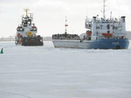 Mar Baltico, oltre 50 navi  intrappolate dal ghiaccio:  già liberate dopo 24 ore