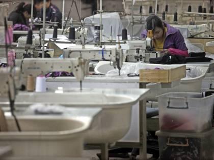 Industria torna a crescere<br /> Il fatturato sale del 2,7%<br /> Non decollano gli ordini