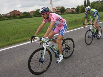 Lloyd è primo a Carrara  Nibali resta in maglia rosa