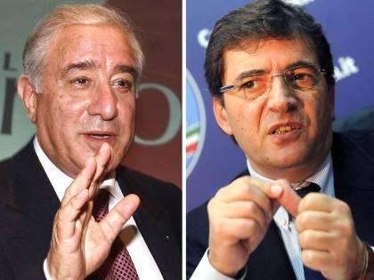 P3, indagati Dell'Utri e Cosentino: assalto al Pdl  Berlusconi: il coordinatore non è in discussione