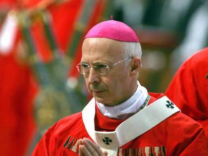 """Bagnasco: """"Serve nuova leva di politici cattolici"""""""