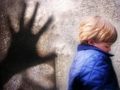 """Pedofilia, arrestato a Roma psicologo 33enne:  migliaia di file sul pc del """"collezionista di bimbi"""""""