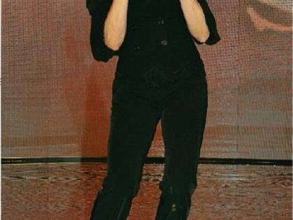 La Rai canta in coro e Mediaset balla