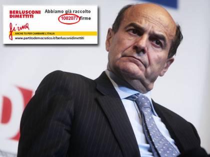 Bersani, la farsa delle firme anti-Cav<br /> Ma per il Pd la colpa è de <em>il Giornale...</em>