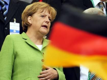 La Merkel pacifista per risalire nei sondaggi
