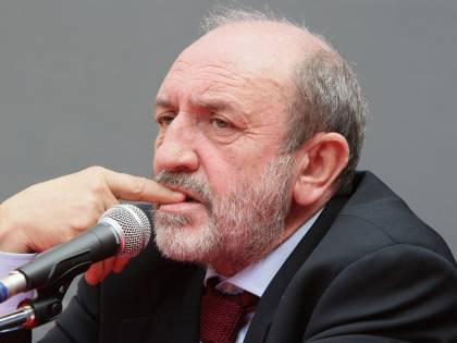 """E' finita l'ora del plagio  Indagine di Ca' Foscari  sul """"filosofo"""" Galimberti"""