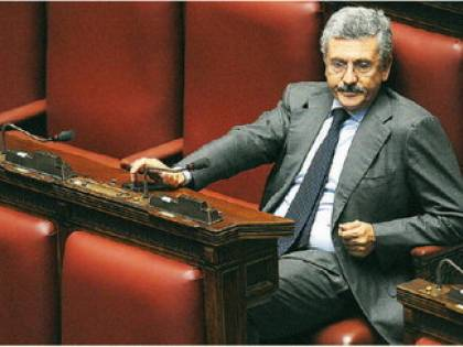 """D'Alema fa autocritica con dieci anni di ritardo:  """"Conflitto d'interesse, errore non fare la legge"""""""
